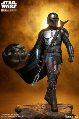 STAR WARS : THE MANDALORIAN -Mandalorian Premium Format Figur Sideshow