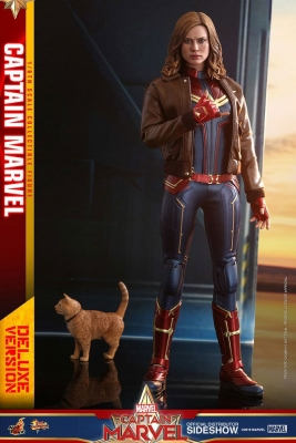 CAPTAIN MARVEL - Captain Marvel DELUXE 1/6 Actionfigur 29 cm Hot Toys