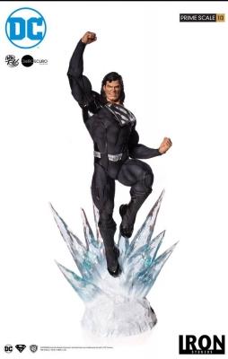 DC COMICS - Superman Black Suit 1/3 Prime Scale Statue Iron Studios