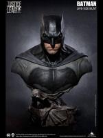 JUSTICE LEAGUE - Batman Life Size Büste 77 cm Queen