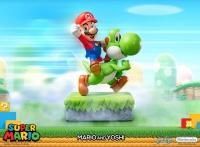 SUPER MARIO - Mario & Yoshi Statue 48 cm First 4 Figures