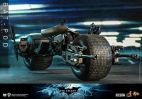 BATMAN : DARK KNIGHT RISES - Bat Pod 1/6 Actionfigur 59 cm Hot Toys