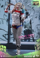 SUICIDE SQUAD - Harley Quinn MM 1/6 Actionfigur Hot Toys